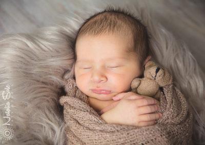 Fotorgato neonato bambini piccoli famiiglia piemonte